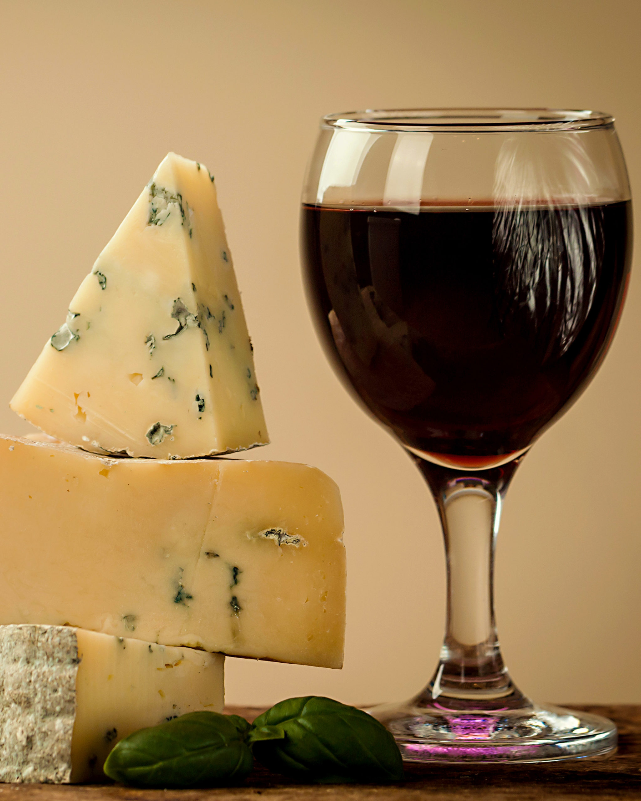 Our guide to the tastiest cheese and wine pairings this Christmas