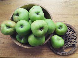 Season Produce Apples