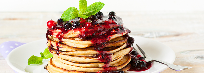 Gingerbread pancakes with coconut yoghurt and spiced fruit compote
